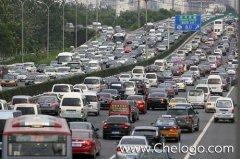 开车堵车的时候省油的驾驶技巧