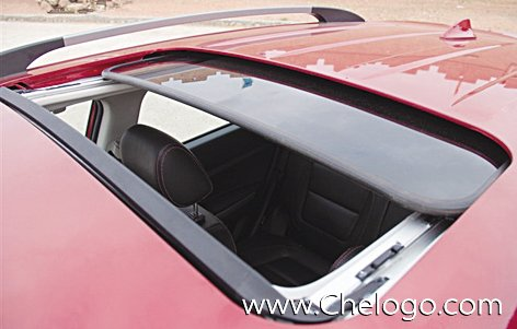 汽车天窗的日常使用保养方法